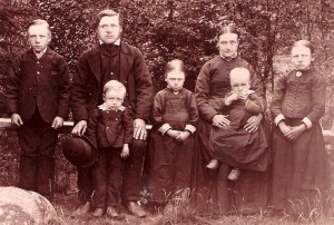 Anders-Sanna-Back-family-Munsala-Finland-1890-NH